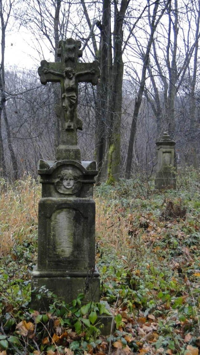 Dzień Zaduszny na starym, łemkowskim cmentarzu w Lipowcu... 3