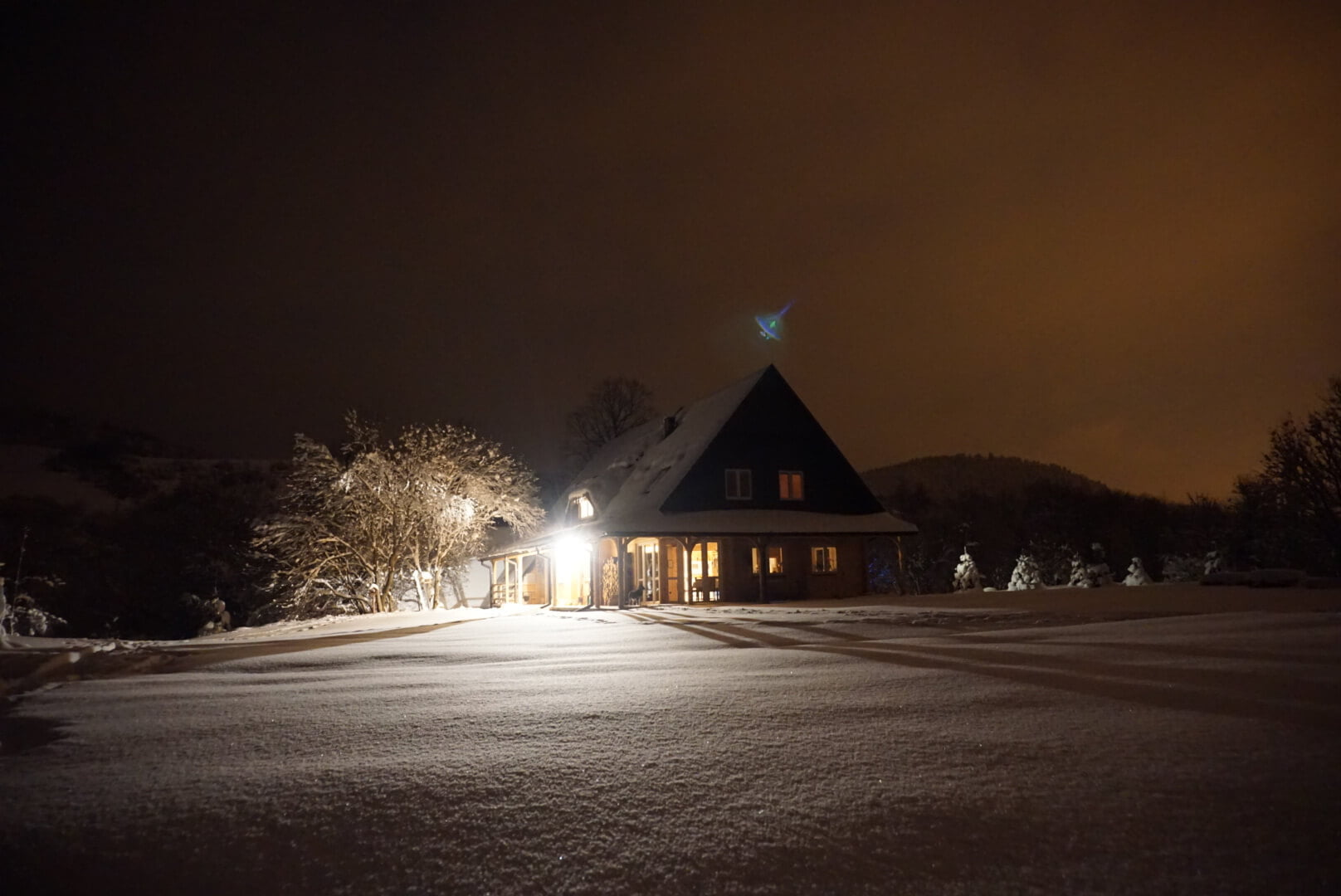 Nocne, zimowe niebo w fotografii Adama 2