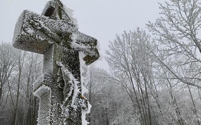 Zimowy krzyż z Czeremchy